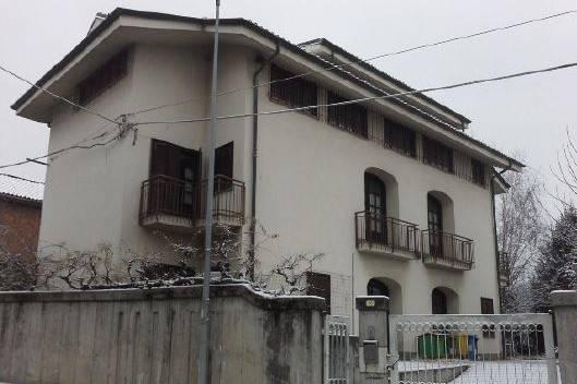 Villa in vendita a Rivara, 6 locali, prezzo € 126.000   CambioCasa.it
