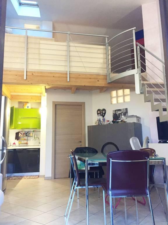 Appartamento in ottime condizioni parzialmente arredato in vendita Rif. 8693252