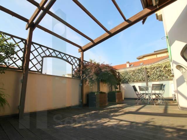 Appartamento trilocale in vendita a Muggi� (MB)