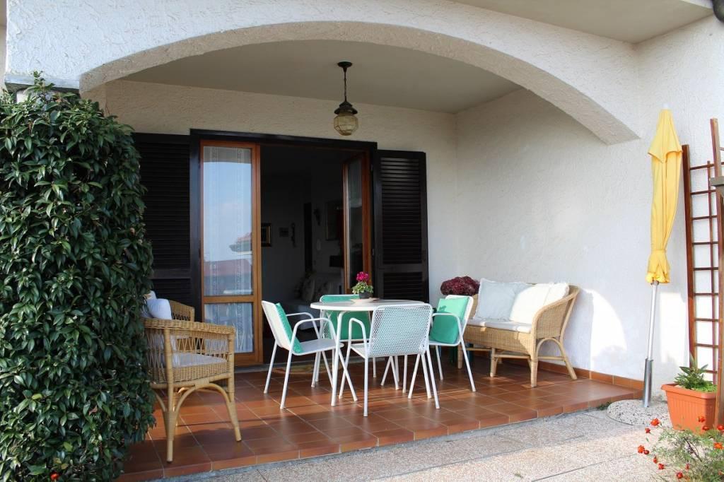 Appartamento in buone condizioni in vendita Rif. 6973697