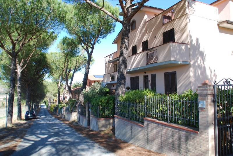 Appartamento in vendita a Città della Pieve, 6 locali, prezzo € 138.000   CambioCasa.it
