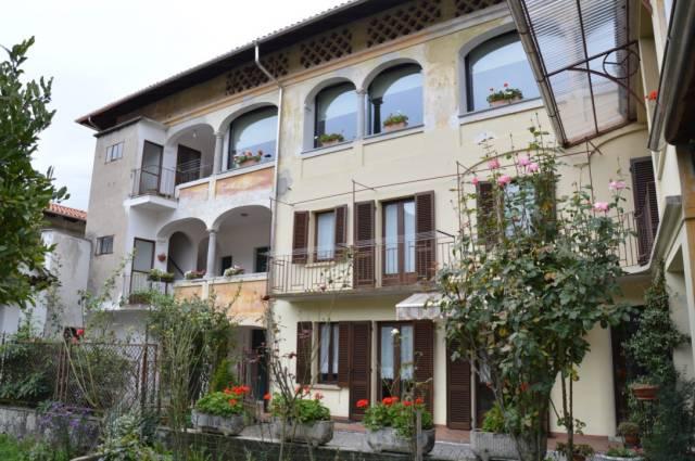 Appartamento in buone condizioni in vendita Rif. 4986502