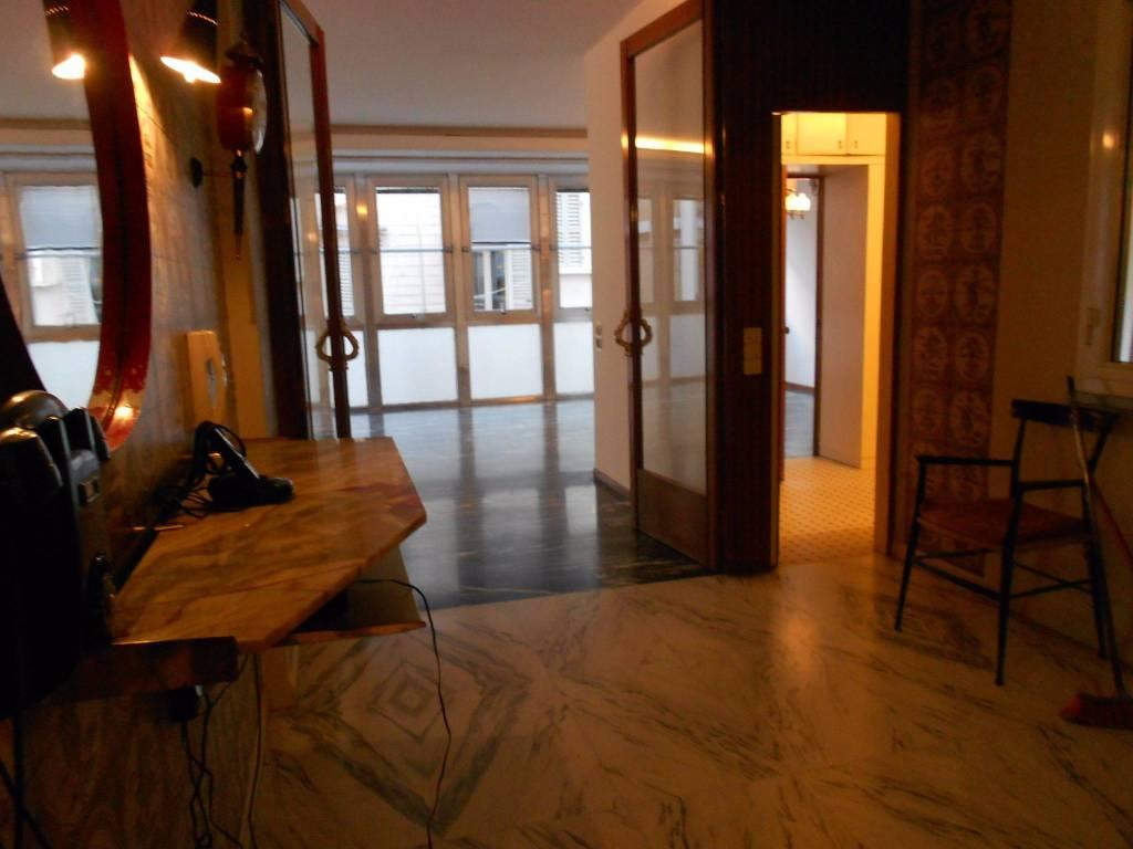 Appartamento in Vendita a Parma Centro: 4 locali, 150 mq