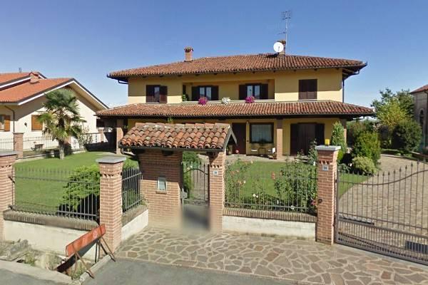 Villa in vendita a Savigliano, 10 locali, prezzo € 215.000 | CambioCasa.it