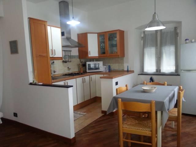 Appartamento in Affitto a Genova Semicentro: 3 locali, 65 mq
