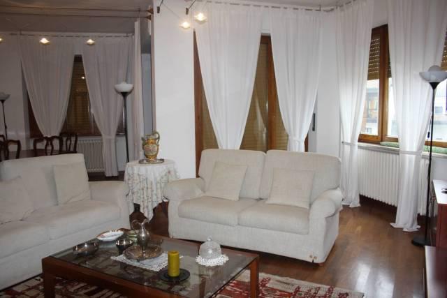 Appartamento in buone condizioni in vendita Rif. 4200443