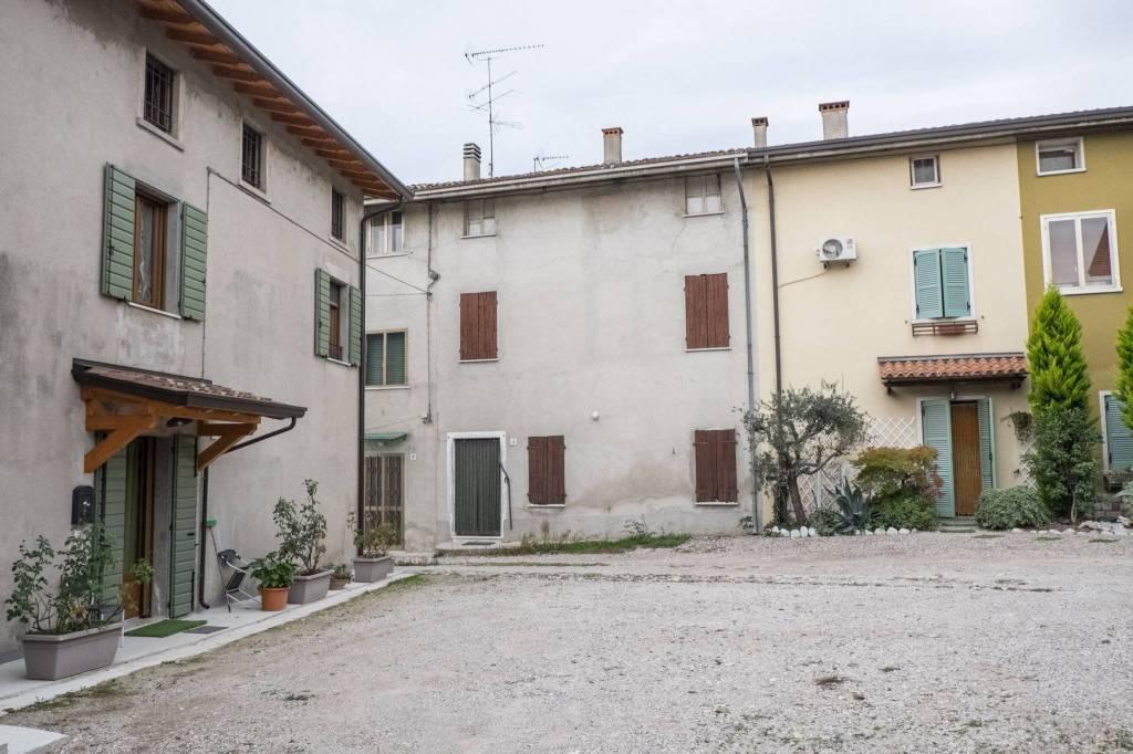 Soluzione Indipendente in vendita a Pozzolengo, 5 locali, prezzo € 165.000 | PortaleAgenzieImmobiliari.it