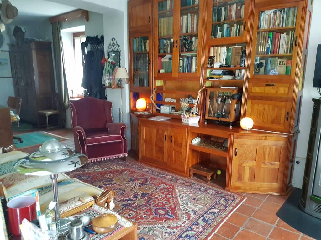 Soluzione Indipendente in vendita a Cocquio-Trevisago, 4 locali, prezzo € 135.000 | CambioCasa.it