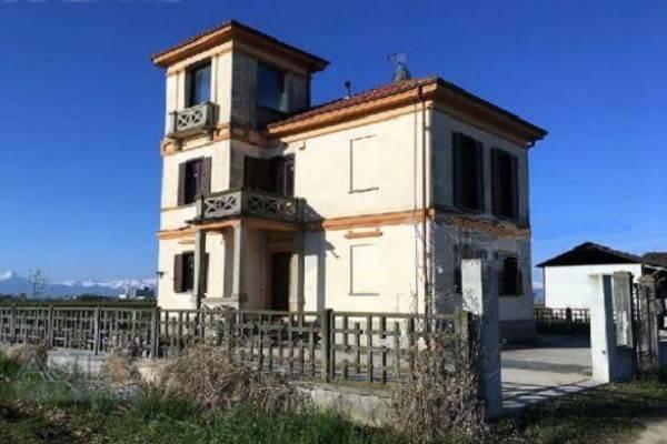 Villa in vendita a Savigliano, 5 locali, prezzo € 138.000 | CambioCasa.it