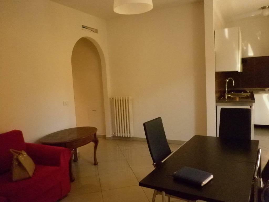 Appartamento in ottime condizioni arredato in affitto Rif. 8828825