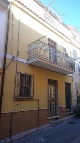 Casa Indipendente in buone condizioni in vendita Rif. 6946956