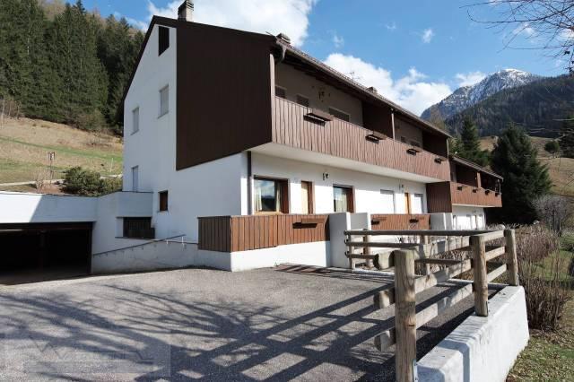 Appartamento in buone condizioni arredato in vendita Rif. 4289908