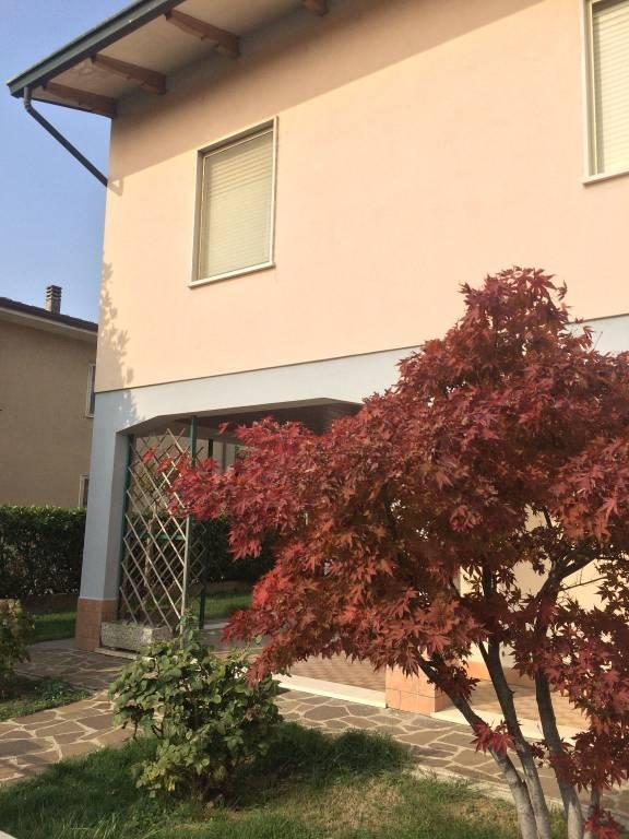 Villa in vendita a Rodigo, 6 locali, prezzo € 140.000 | CambioCasa.it