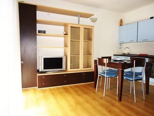 Appartamento parzialmente arredato in vendita Rif. 8818508