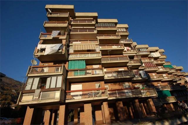 Appartamento in Vendita a Aosta: 3 locali, 78 mq