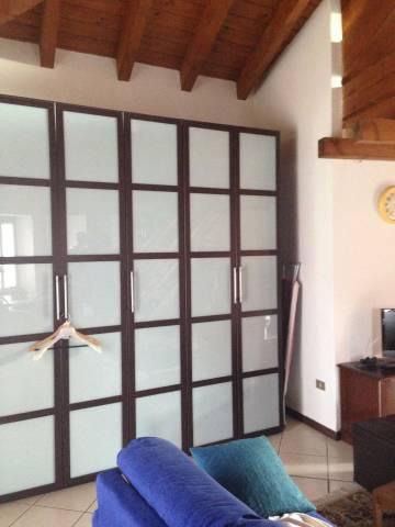 Appartamento in ottime condizioni arredato in affitto Rif. 4401420