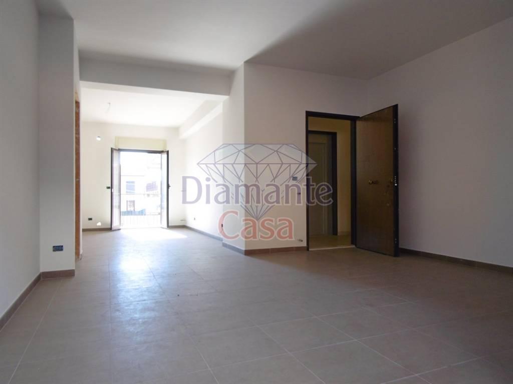 Appartamento in Vendita a Belpasso Periferia: 4 locali, 90 mq