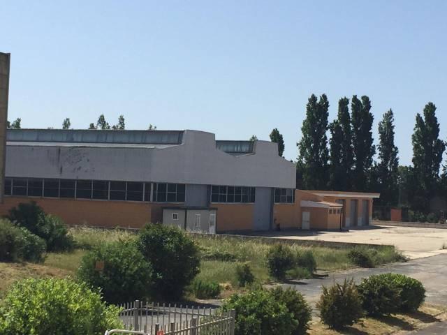 Magazzino - capannone in affitto Rif. 4915132