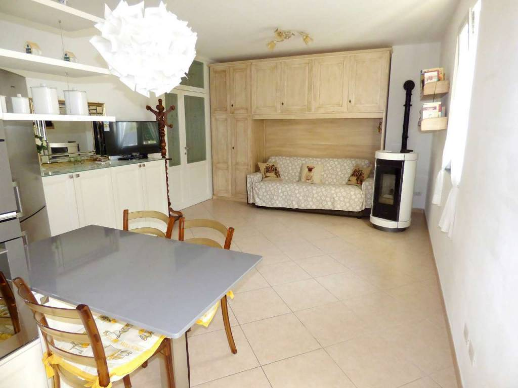 Appartamento in vendita a Cicagna, 5 locali, prezzo € 215.000 | CambioCasa.it