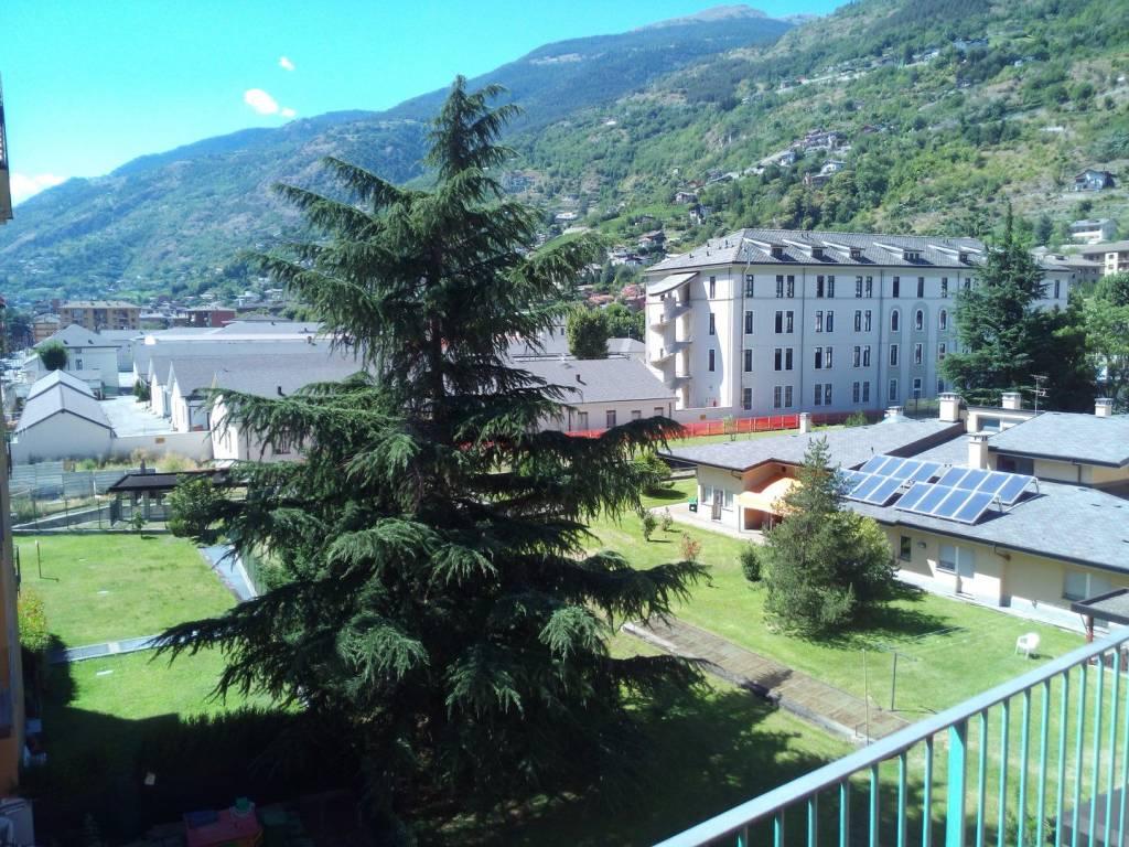 Foto 1 di Bilocale via Monte Vodice, Aosta