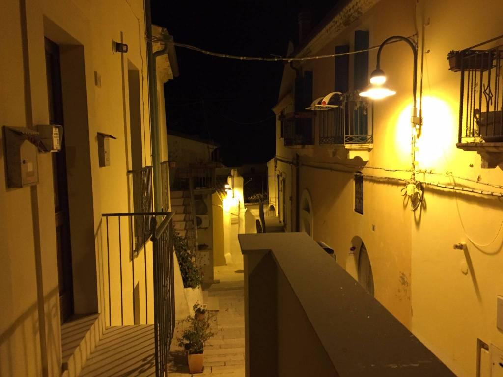 Appartamento in buone condizioni arredato in affitto Rif. 6379072