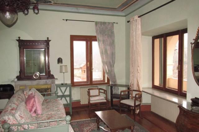 Appartamento in buone condizioni arredato in affitto Rif. 4973970