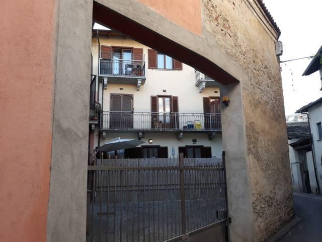 Appartamento in ottime condizioni arredato in vendita Rif. 4408963
