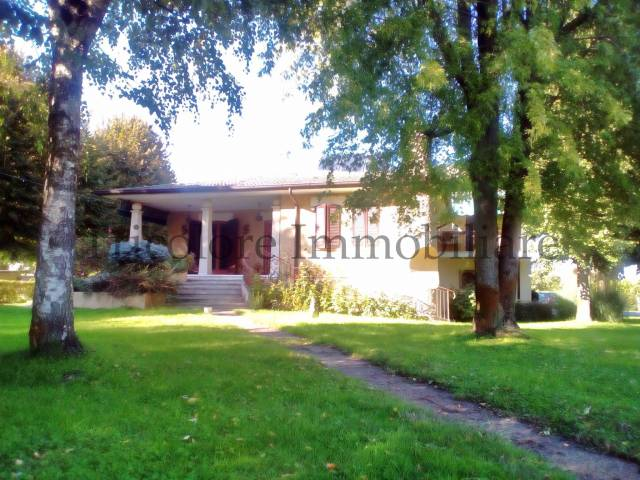 Villa in ottime condizioni in vendita Rif. 4972079