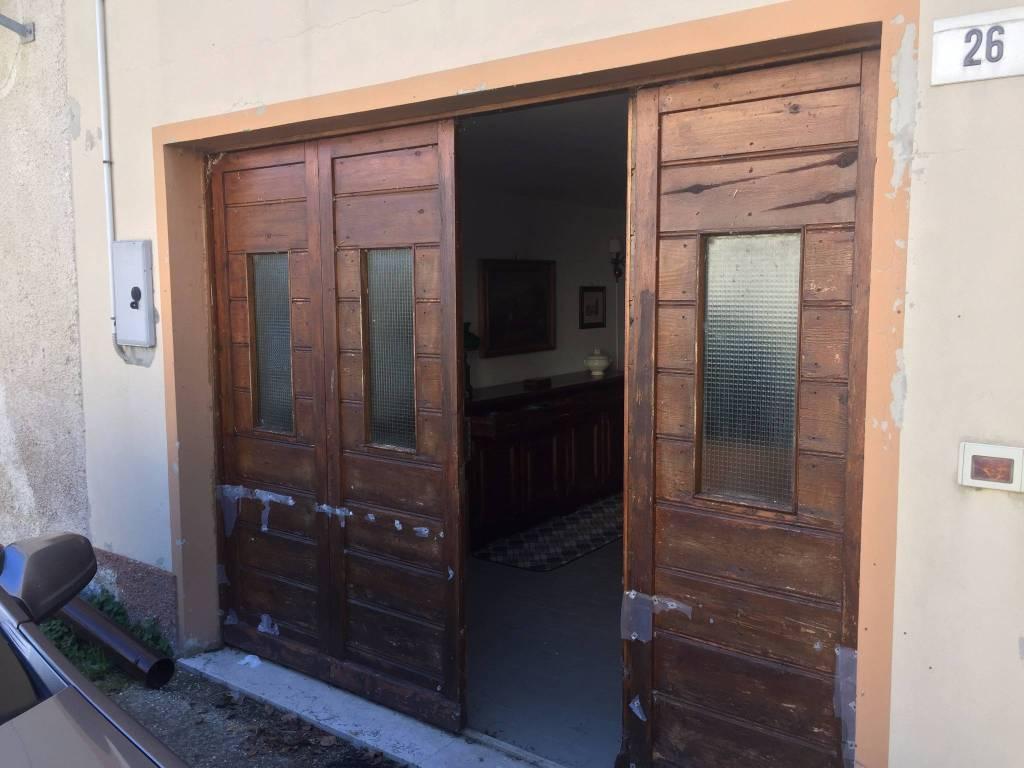 Appartamento in buone condizioni arredato in vendita Rif. 4583096