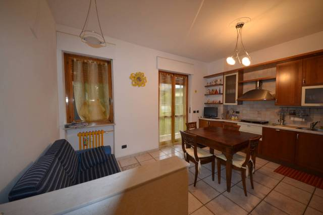 Appartamento in Vendita a Alba Centro: 4 locali, 107 mq