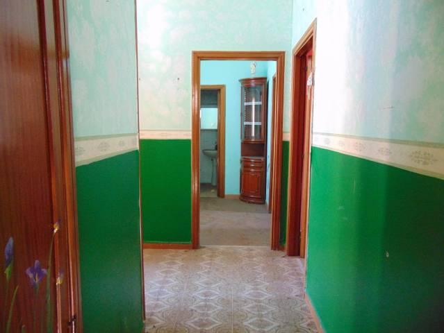 Appartamento da ristrutturare in vendita Rif. 5208864