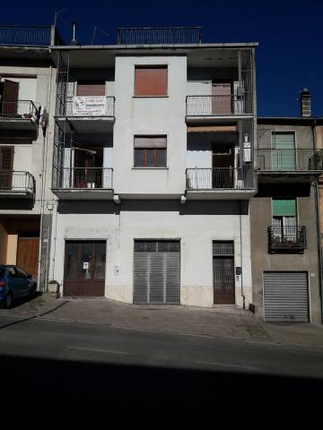 palazzina composta da 2 appartamenti