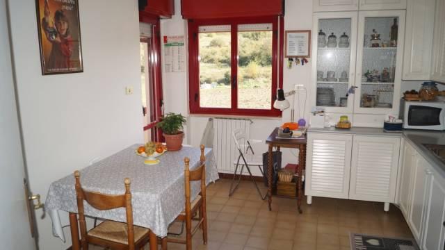 Appartamento in buone condizioni in vendita Rif. 4244186
