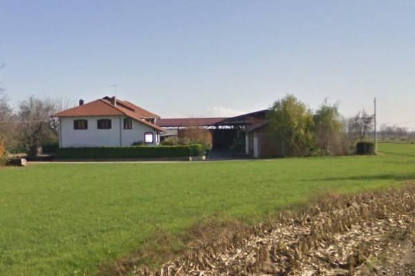 Attività / Licenza in vendita a Macello, 6 locali, prezzo € 290.000 | CambioCasa.it