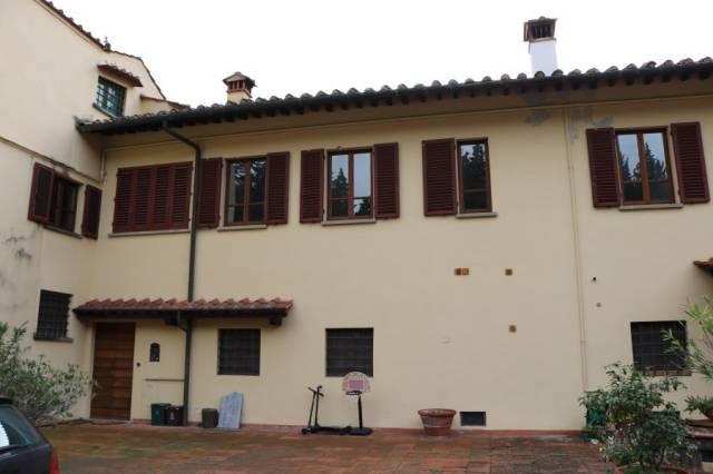 Rustico / Casale in buone condizioni in vendita Rif. 4256953
