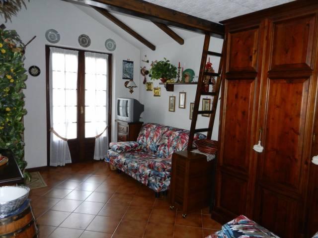 Appartamento in Vendita a Vernante Centro: 1 locali, 25 mq