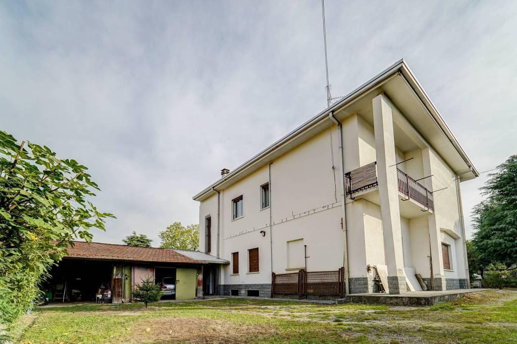 Villa da ristrutturare in vendita Rif. 8914693