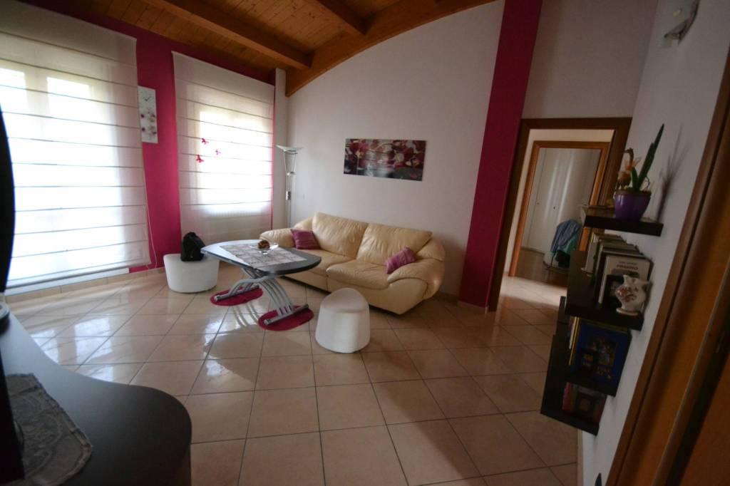 Appartamento in Vendita a San Giovanni In Persiceto Semicentro: 5 locali, 117 mq