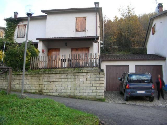 Villa in buone condizioni in vendita Rif. 4228162
