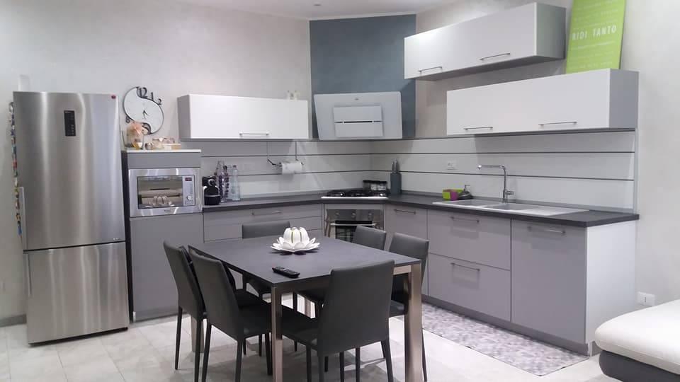 Appartamento in vendita a Caselle Torinese, 3 locali, prezzo € 160.000 | CambioCasa.it