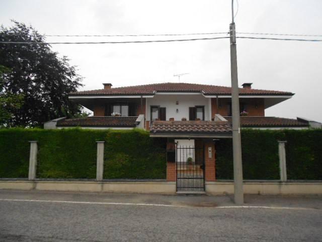 Appartamento in buone condizioni arredato in affitto Rif. 5863475