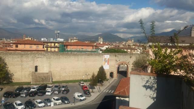 Attico 6 locali in affitto a Prato (PO)