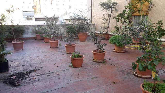 Appartamento in Vendita a Genova Semicentro Est: 4 locali, 138 mq