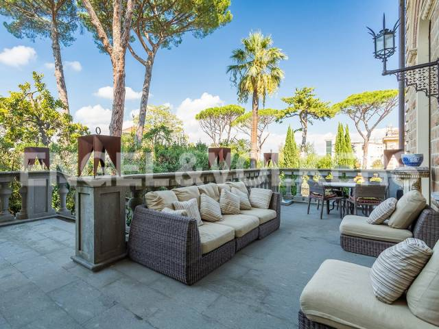 Appartamento in Vendita a Roma: 5 locali, 520 mq - Foto 1