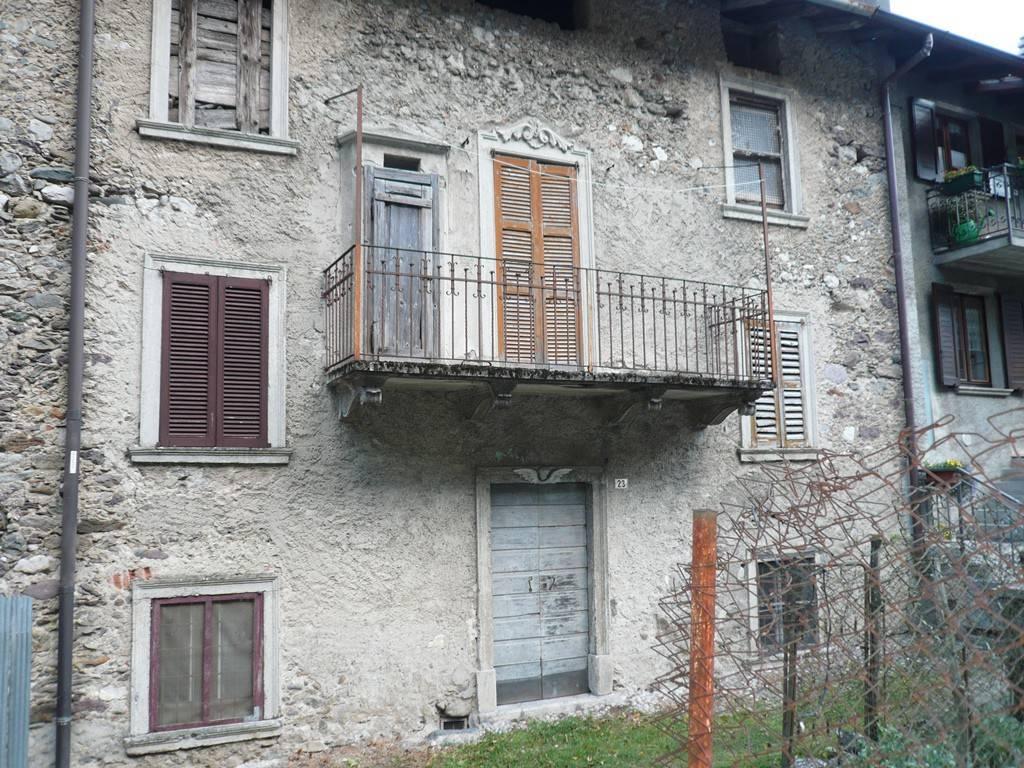 Soluzione Indipendente in vendita a Lenna, 6 locali, prezzo € 45.000 | CambioCasa.it