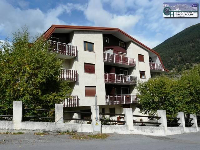 Appartamento in buone condizioni arredato in affitto Rif. 4248605