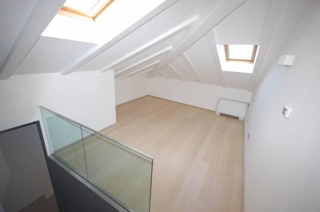 Attico / Mansarda in ottime condizioni parzialmente arredato in affitto Rif. 4481806