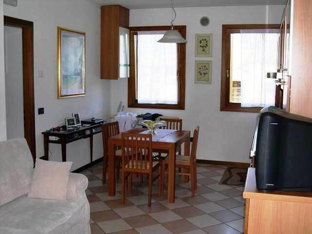 Appartamento in ottime condizioni in vendita Rif. 4471255