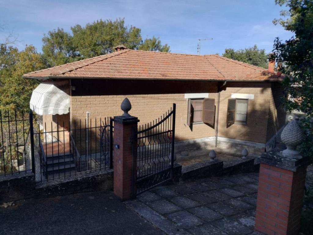 Appartamento in Vendita a Parrano Periferia: 5 locali, 190 mq