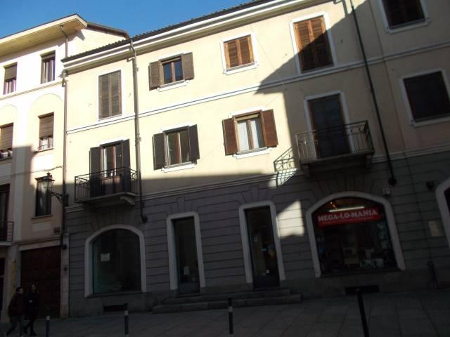 Immobile Commerciale in vendita a Vercelli-https://res.getrix.it/media/ad/64489760/1/xs.jpg
